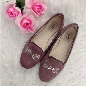 ALLOWAY CRYSTAL BOW UGG FLAT SHOES